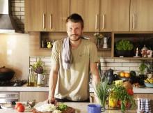 Apresentador Rodrigo Hilbert comanda programa de culinária no canal GNT. Foto: Reprodução/Facebook
