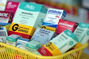 Brasil, São Paulo, SP. 16/05/2007. Medicamentos genéricos dentro de cesta em farmácia na capital paulista. - Crédito:SÉRGIO CASTRO/AGÊNCIA ESTADO/AE/Codigo imagem:37494