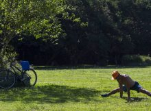 Paulistanos aproveitam o calor no Parque Villa Lobos, zona oeste da capital - Fabio Braga - 26.dez.16/Folhapress