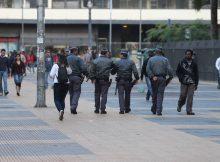 Policiais patrulham a praça da República (região central de SP) - Robson Ventura 30.mai.2014Folhapress