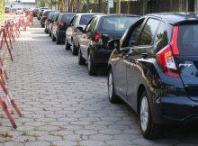 Fila de carros em drive-thru de vacinação na cidade de Santo André, no ABC - Rivaldo Gomes - 2.mai.21/Folhapress